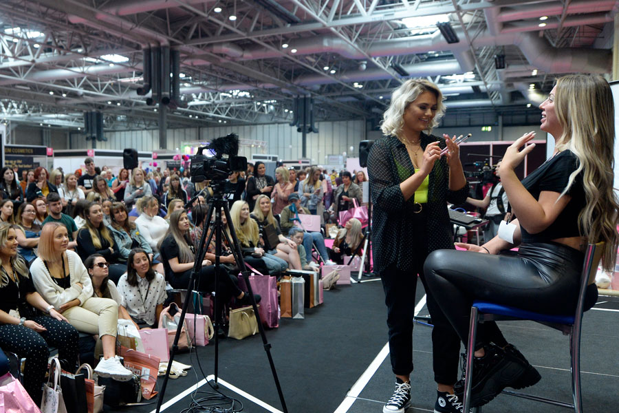 Make-up Masterclass Stage